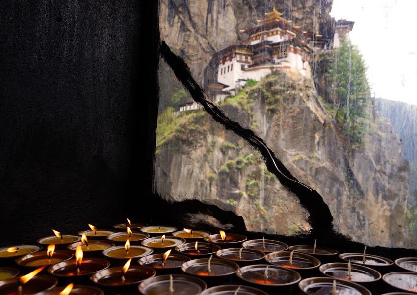 Bhutan-TigersNest-Candles1
