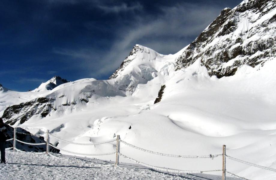 Jungfrau_from_Jungfraujoch