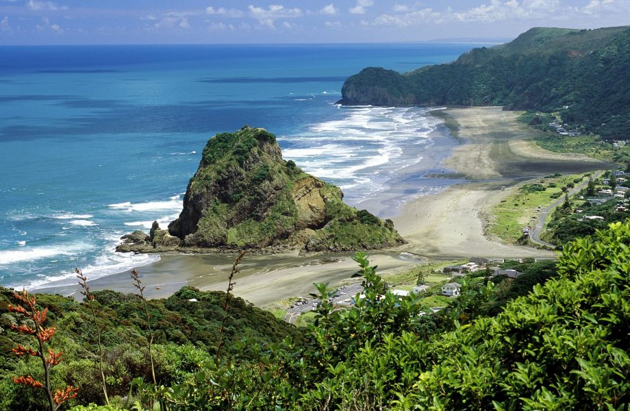 Piha-beach-New-Zealand