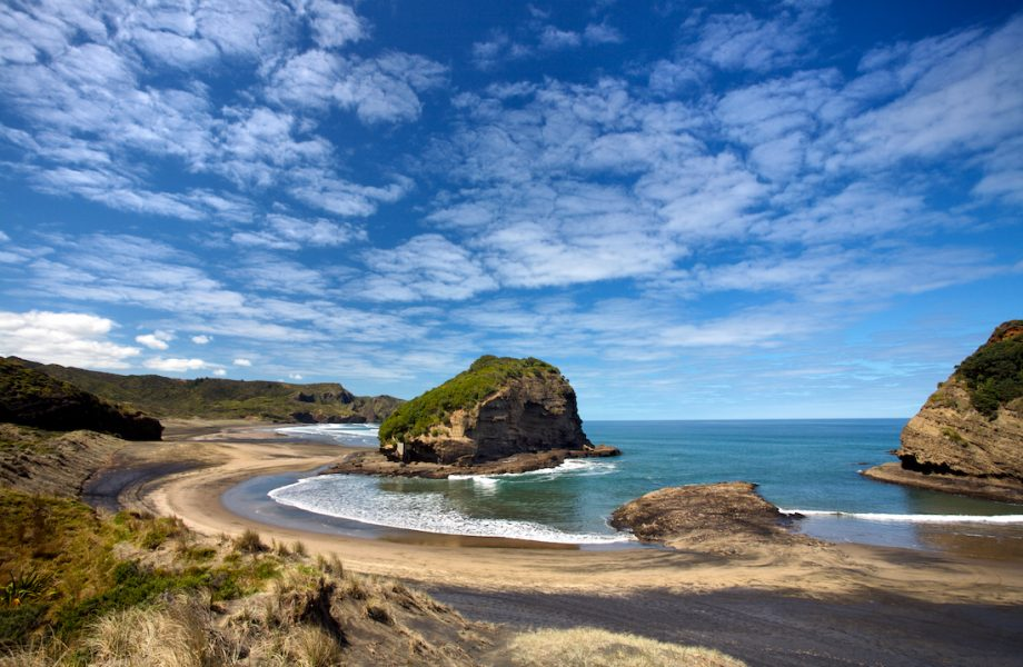 bethells-beach-panorama