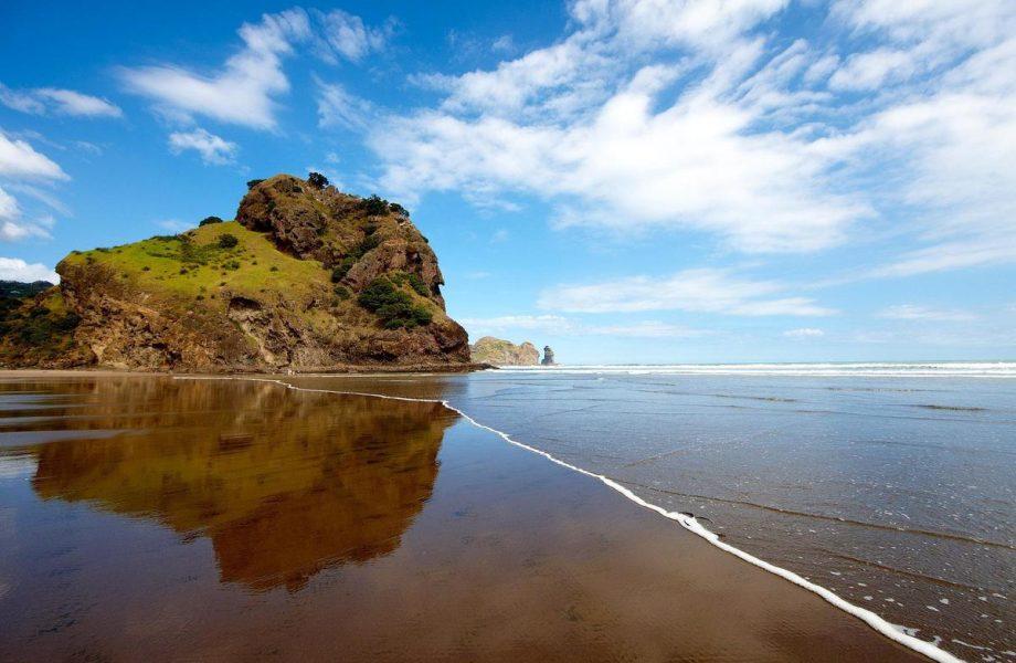 bethells-beach