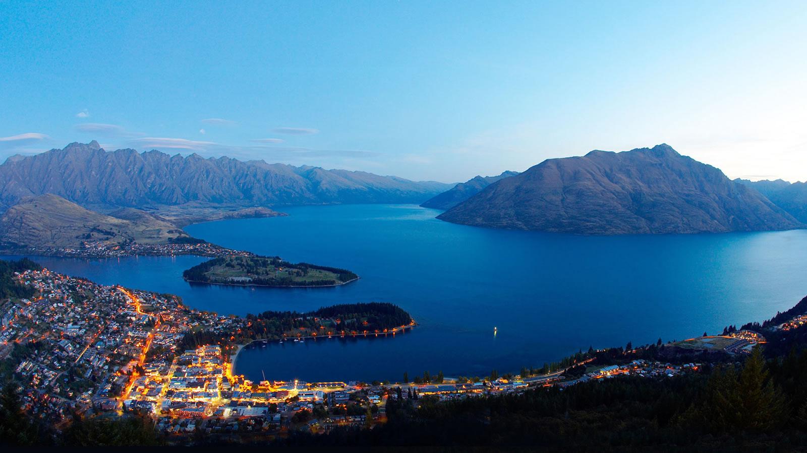Queenstown: a honeymoon destination in New Zealand for adventure lovers