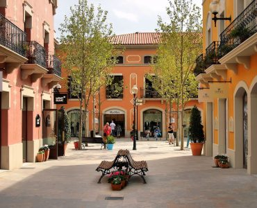 La Roca village