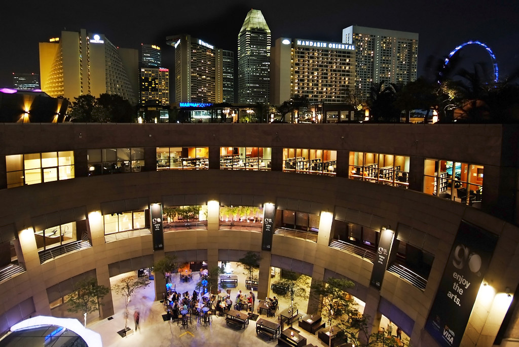 Perpsective view of Esplanade roof garden, a romantic place in Singapore