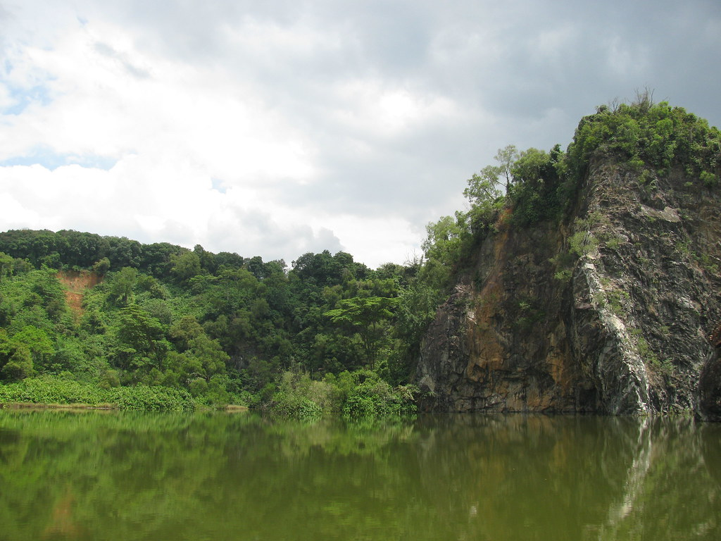Bukit Batok Town Park and the lake Xiao Guilin, one of the best romantic places in Singapore