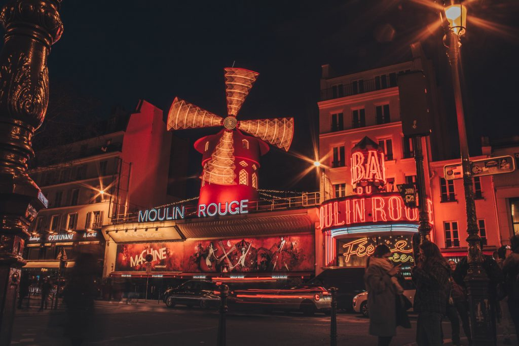 Moulin Rogue in Night