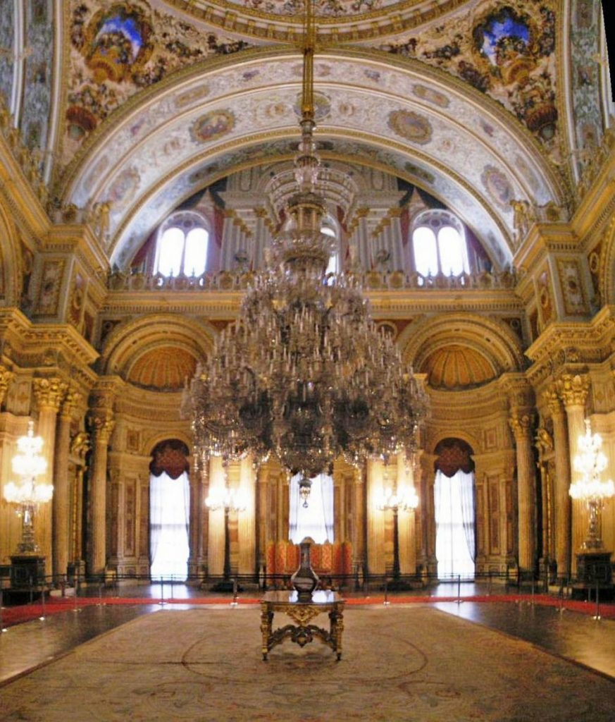 dolmabahce palace, palace in istanbul, turkey palace, bohemian shandelier, largest chandelier