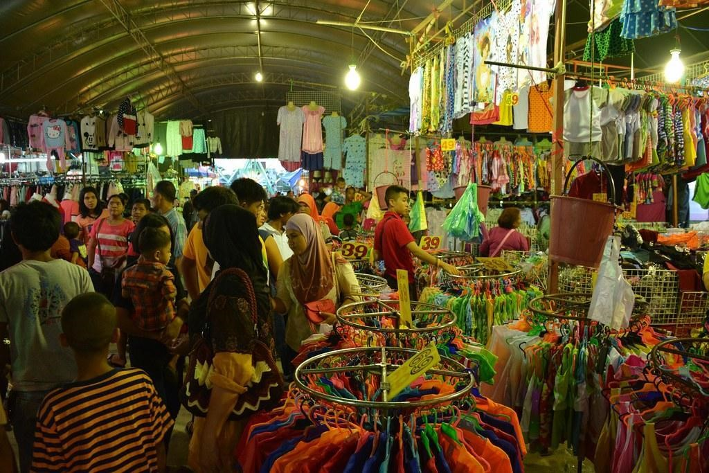 Krabi Town Night Market for Clothes Shopping
