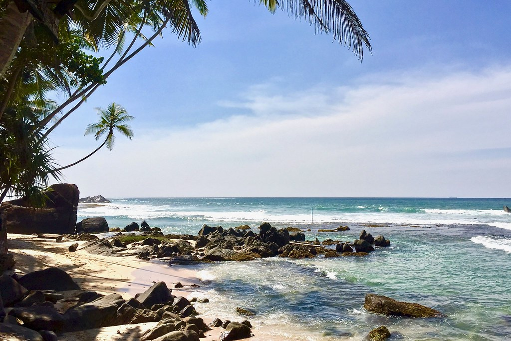 Unawatuna Beach Galle (Places to Visit in Galle)