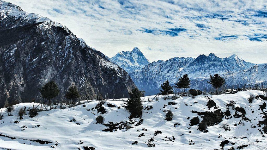 View of Auli ski slopes