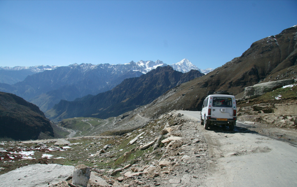 Car drive in Manali to Spiti Valley