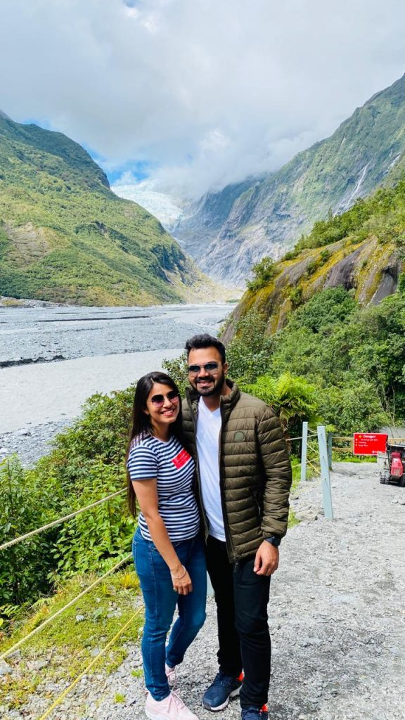 A beautiful picture of a couple on their honeymoon to New Zealand
