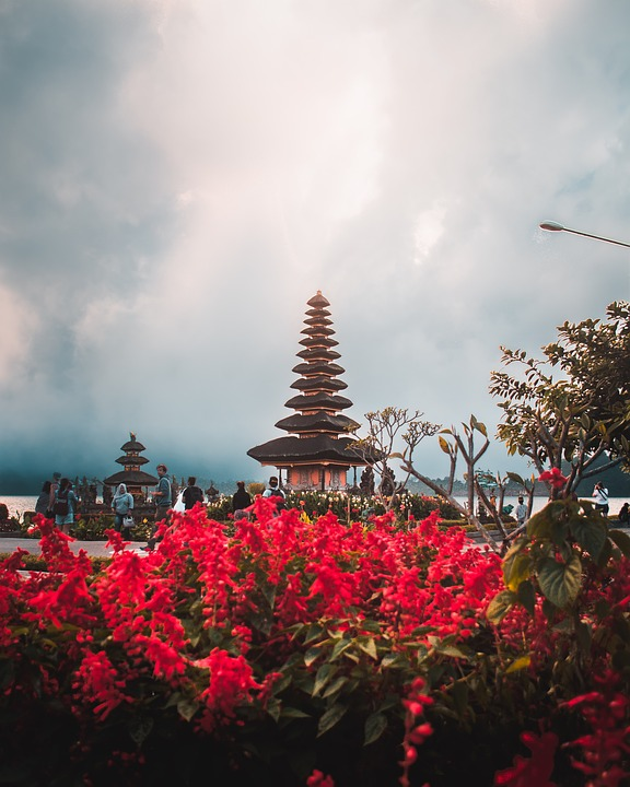 Sunset view at Ulun Danu Beratan temple at Bali