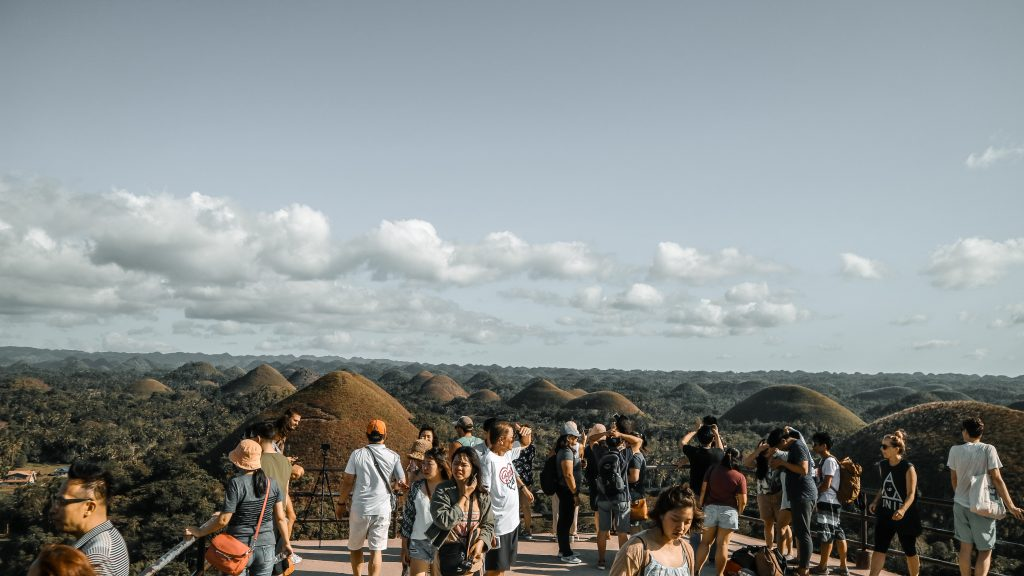 People witnessing the Chocolate hills