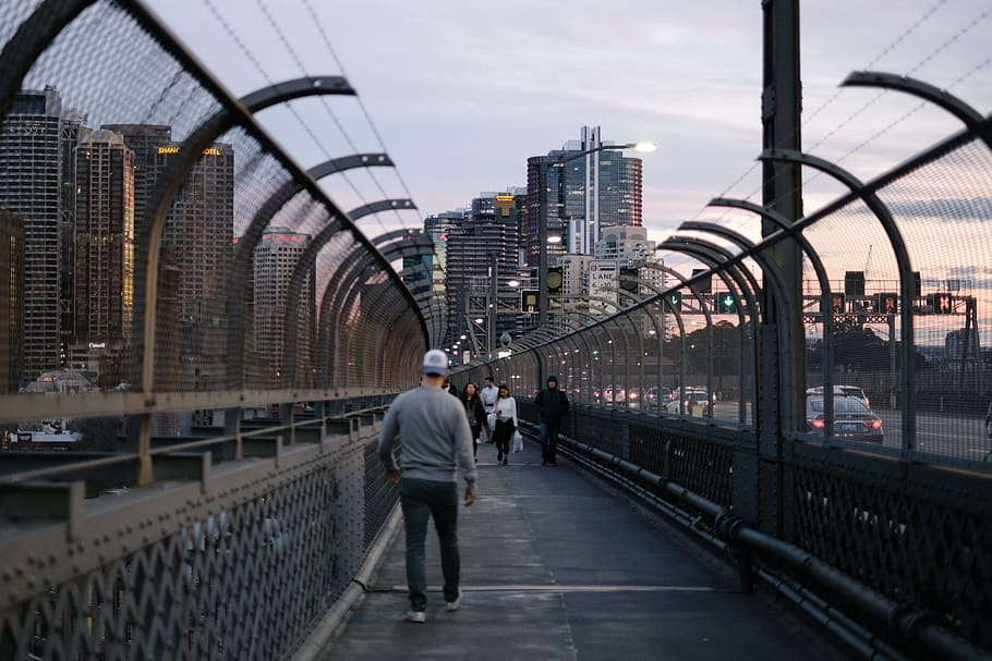 Walk on the harbour bridge