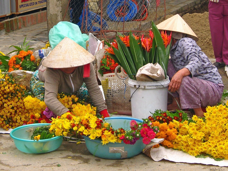 Flower Shopping Market in Hanoi, Vietnam