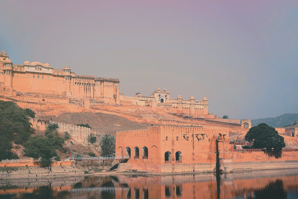 The overlook of the Amber fort from the Maota Lake