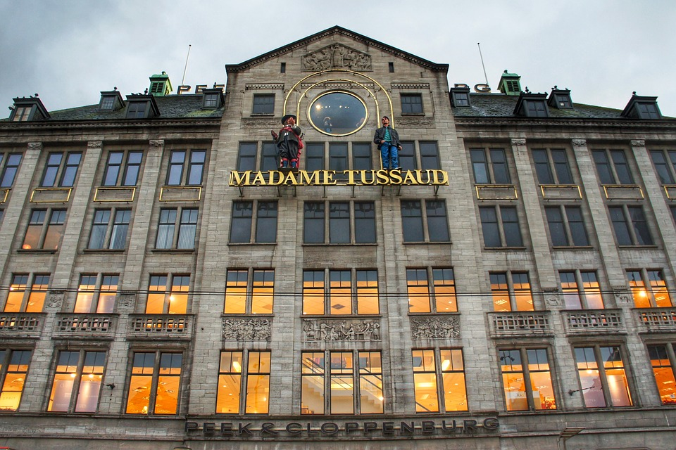entrance to madame tussauds amsterdam