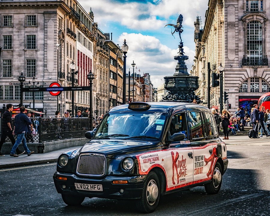 Taxi at Piccadilly