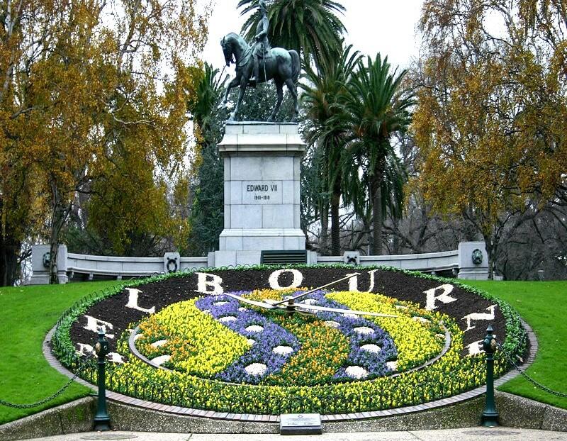 floral clock at queen victorias garden