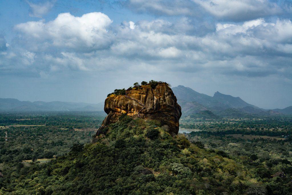 A beautiful view of a mountain in Sri Lanka