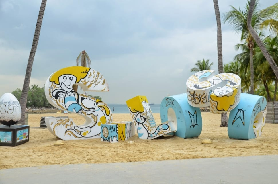 Welcoming ambiance of Siloso beach