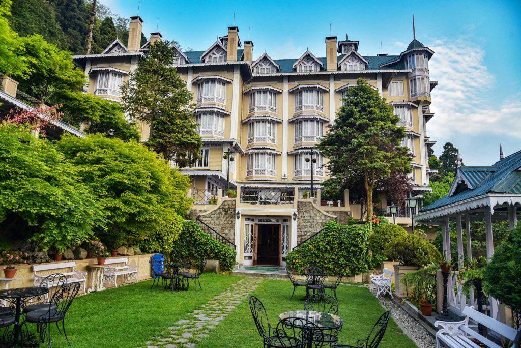 Cedar Inn, a hotel which is famous for Darjeeling tourism
