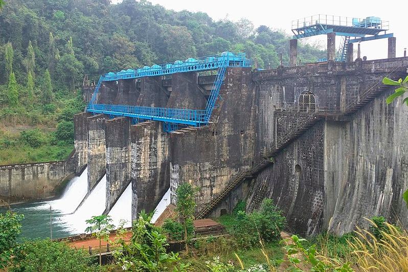 Peruvannamuzhi Dam
