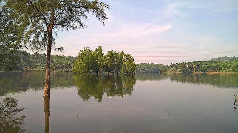 Kakkayam valley lake