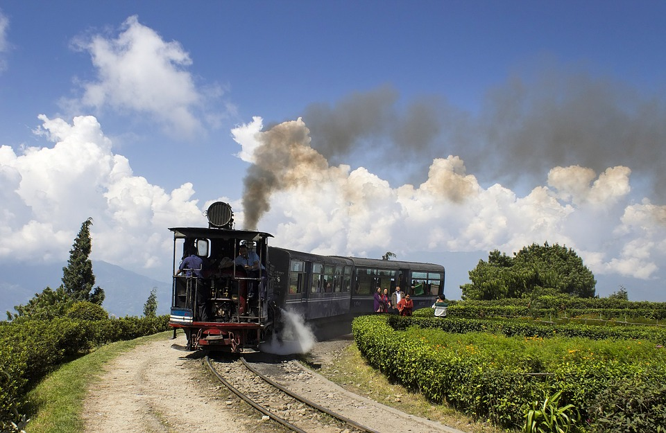 The train around Batasia Loop