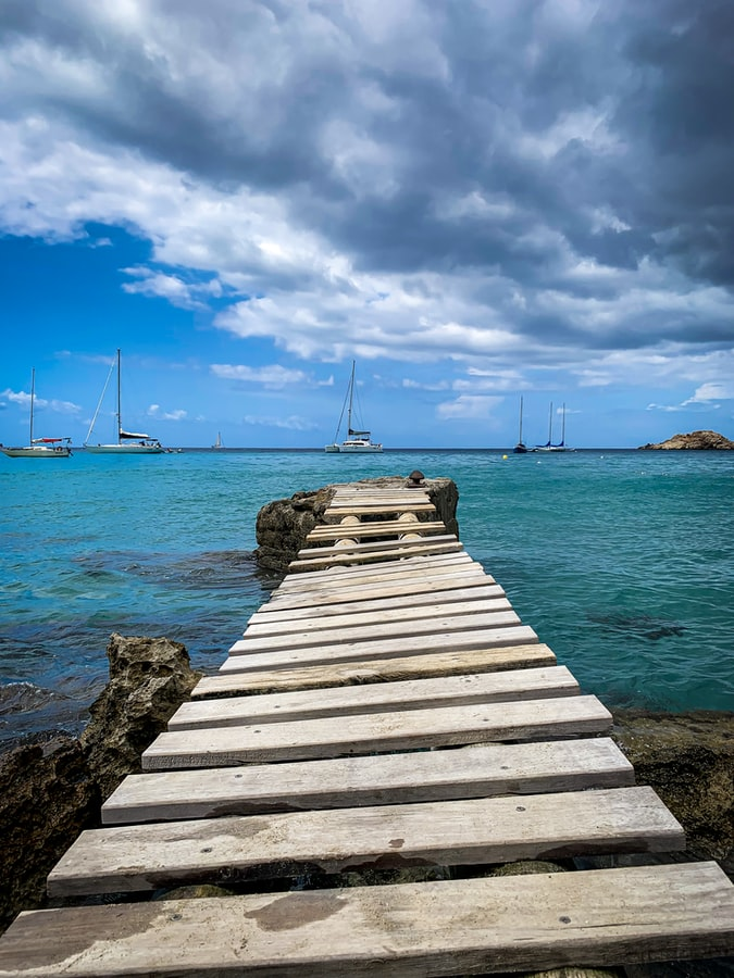 a bridge before the sea