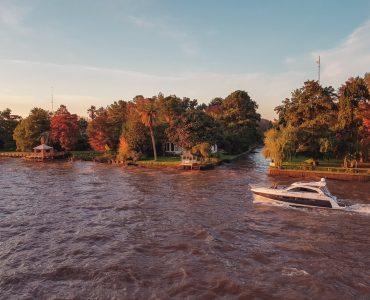 speed boat in river