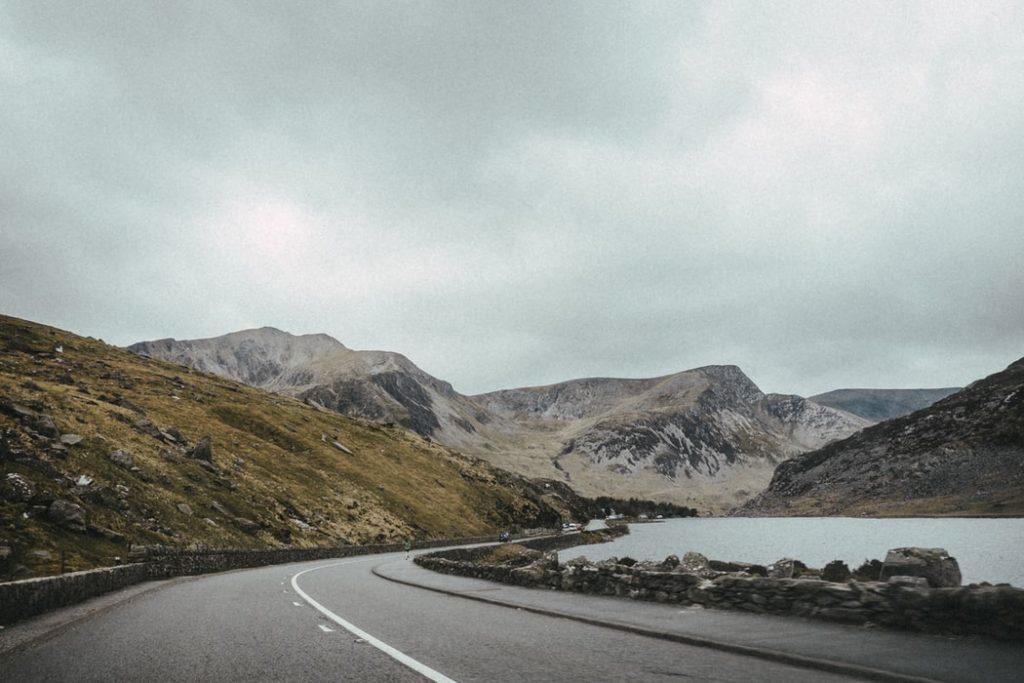 lake side road