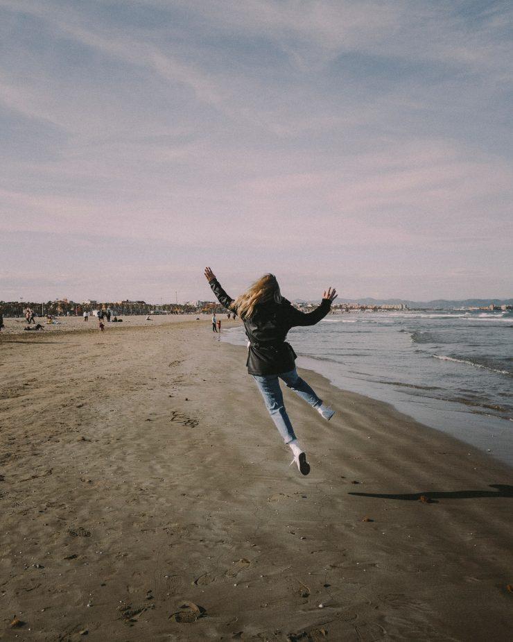 A girl in Playa de la Malvarrosa