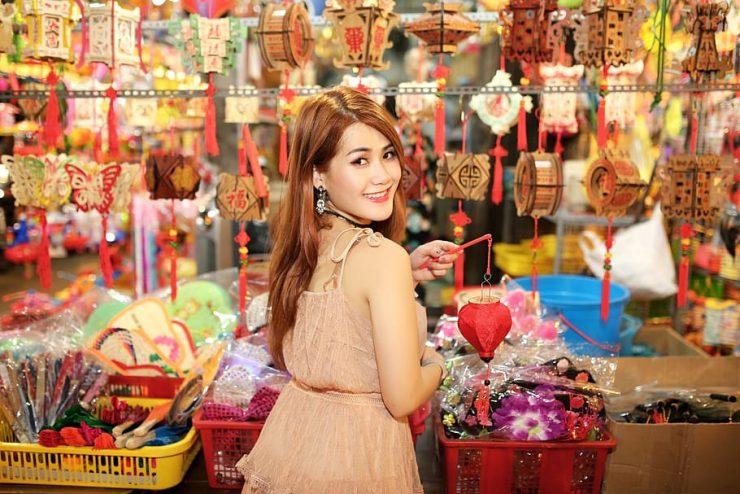 A girl shopping in Dragon Mall in Dubai