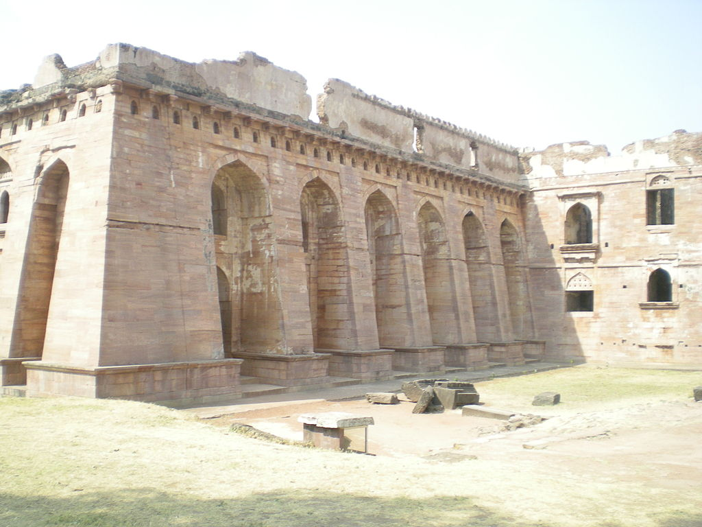 side view of Hindola Mahal