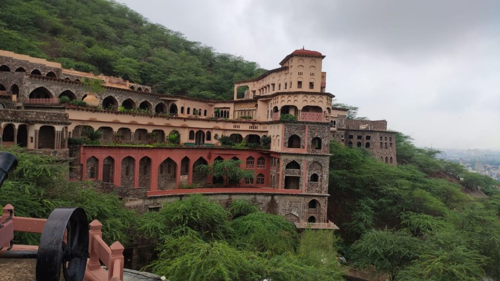the majestic architecture of Neemrana