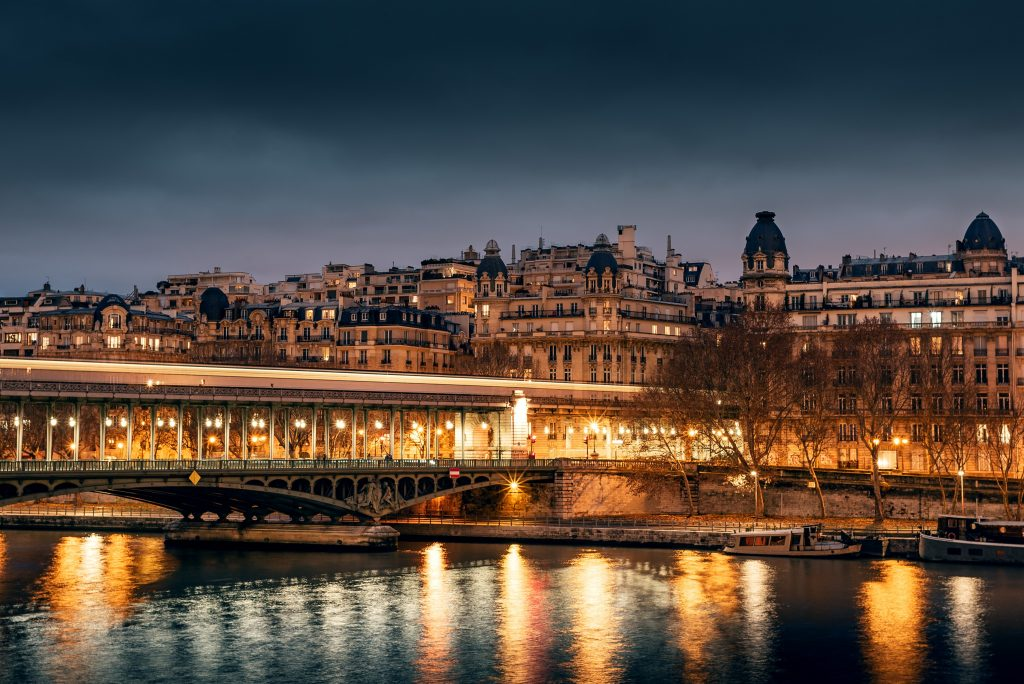 Bir-Hakeim Bridge, Best views in Paris.