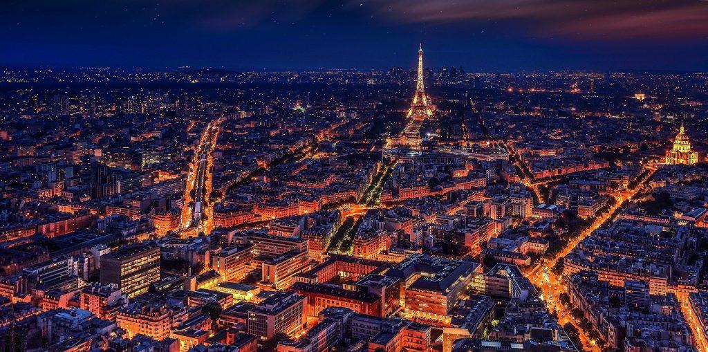 Nightlife in Paris, City of Love