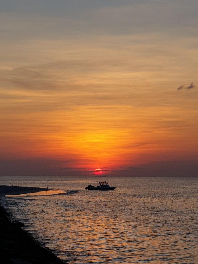 Catamaran camping in Maldives