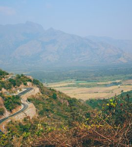 The roads of Munnar around the hill.