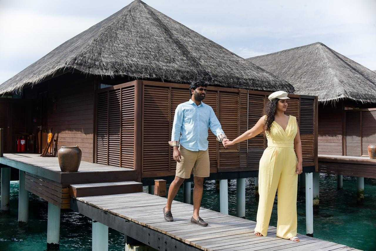 Maldives couple vacation