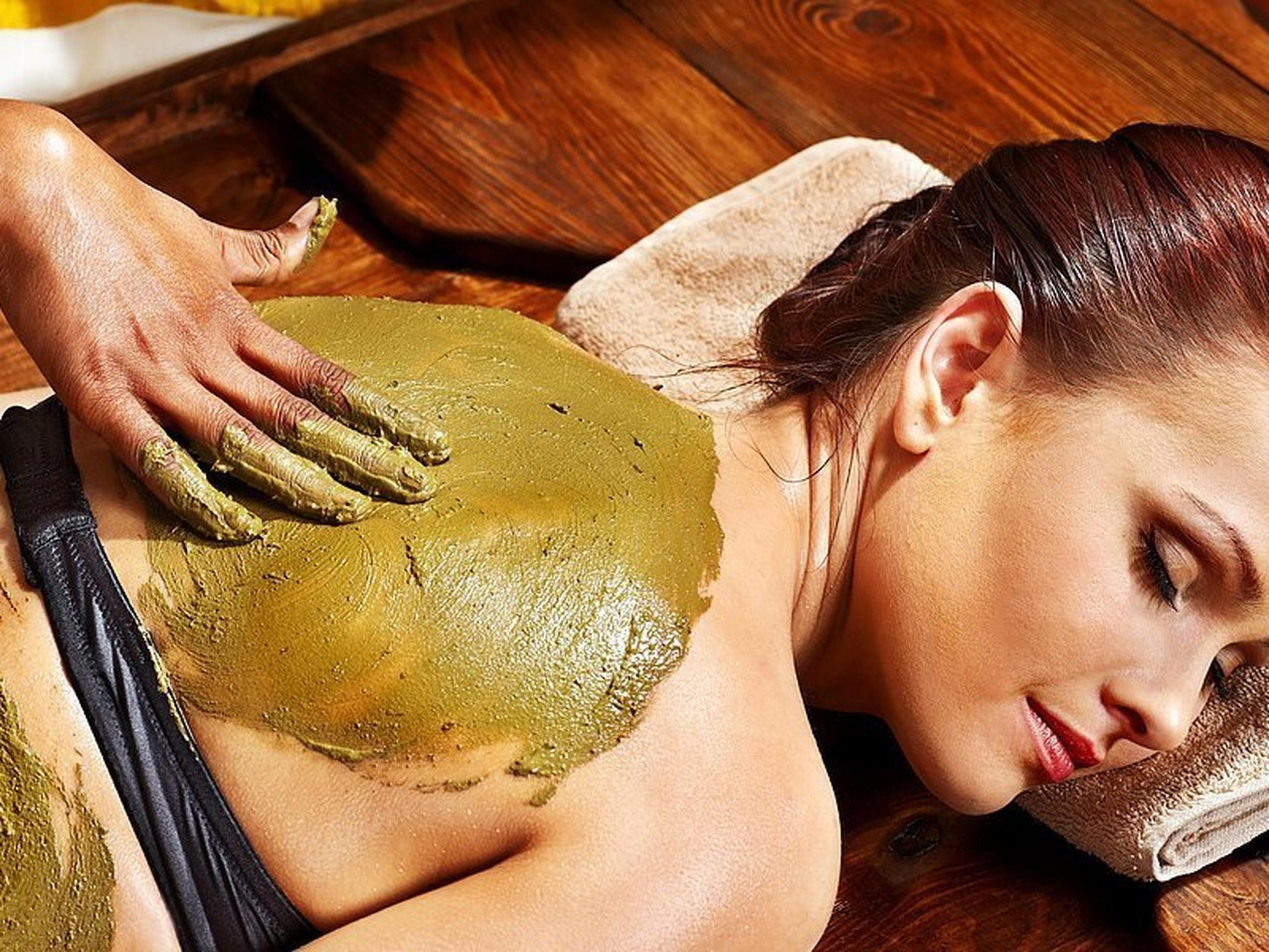 A lady undergoing Ayurveda massage