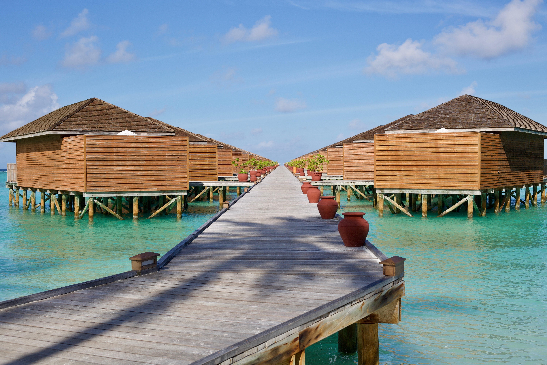 Best water pool villa resorts in the maldives