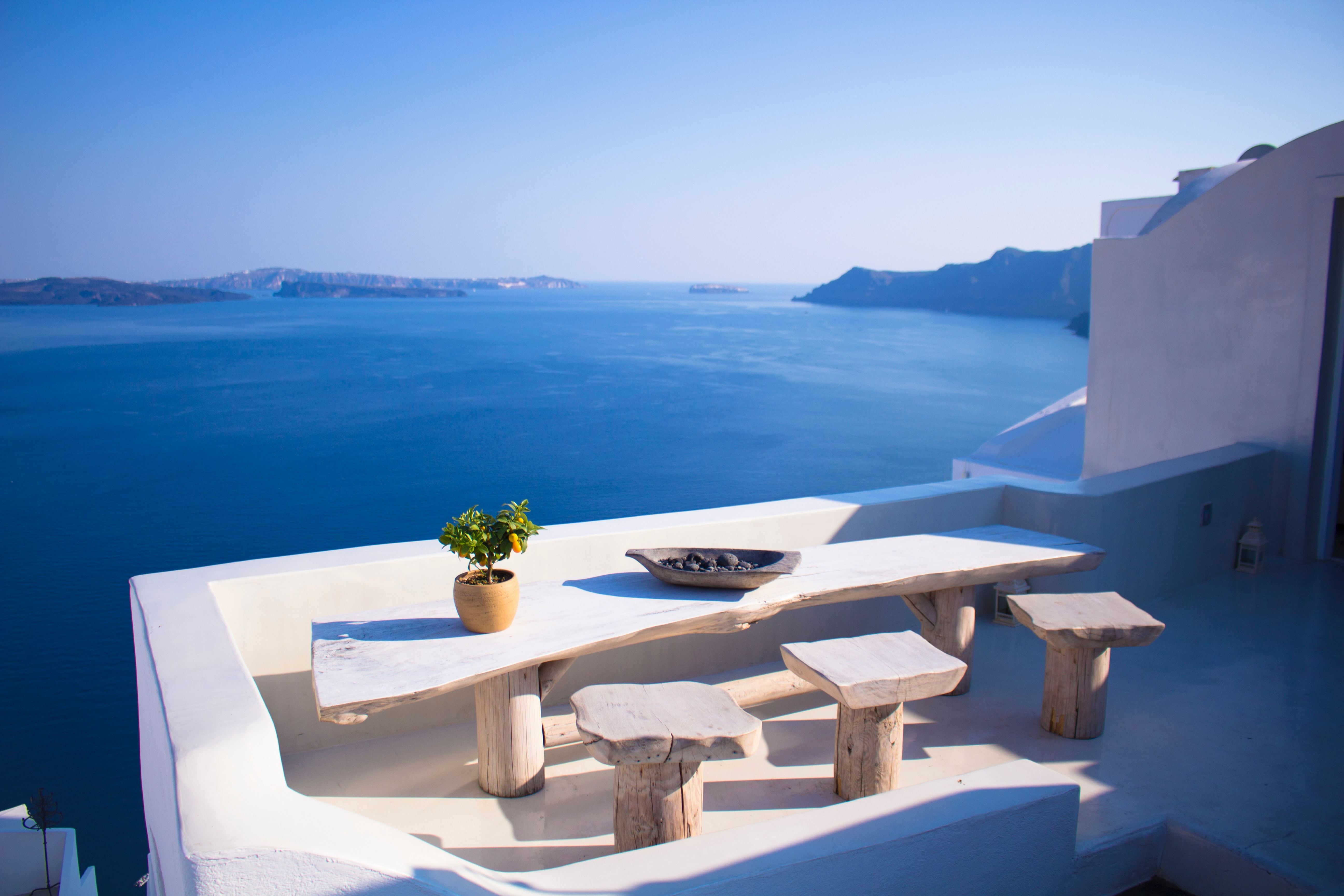 15 Best Cafes in Santorini