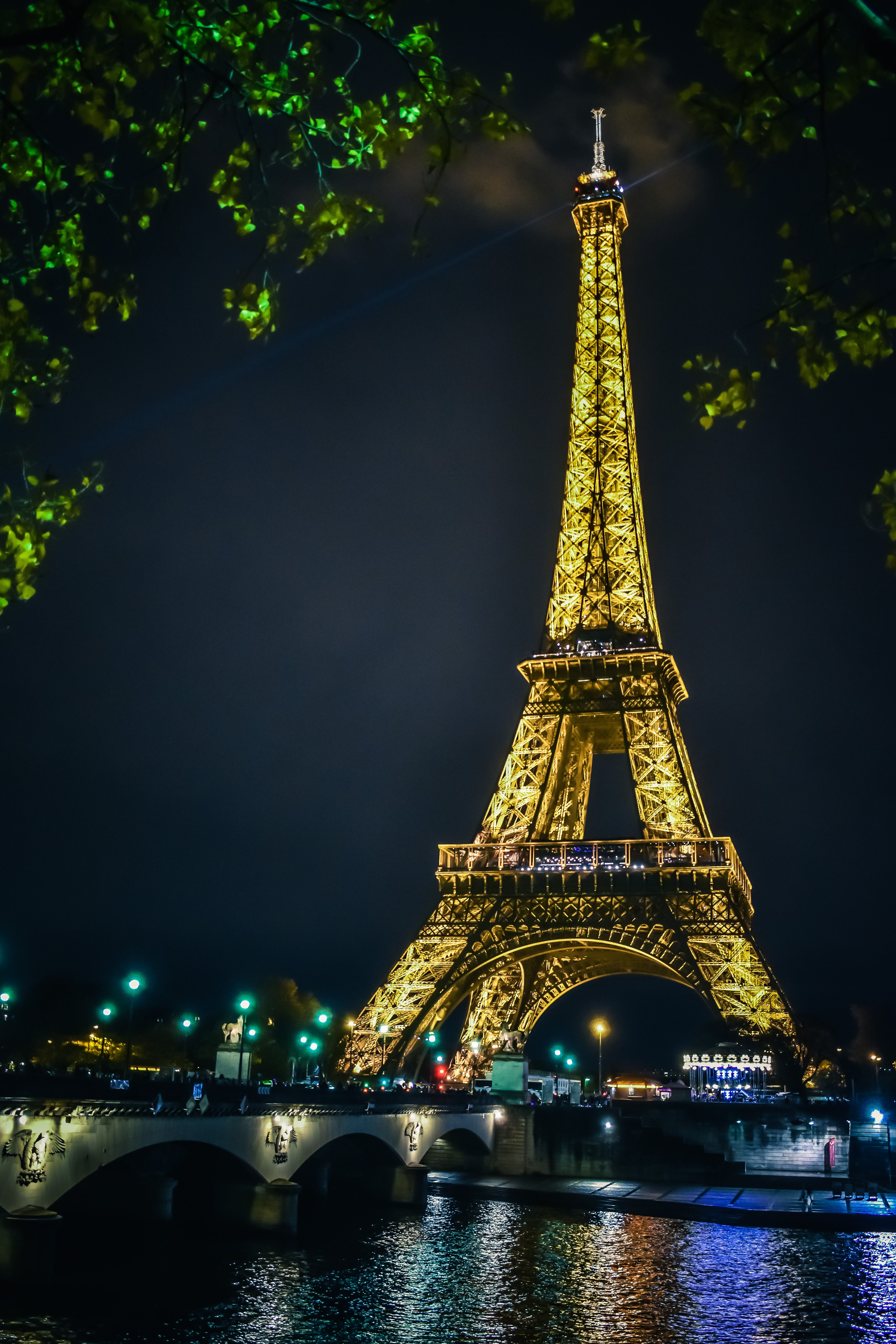 Eiffel Tower, Places to Visit Paris At Night