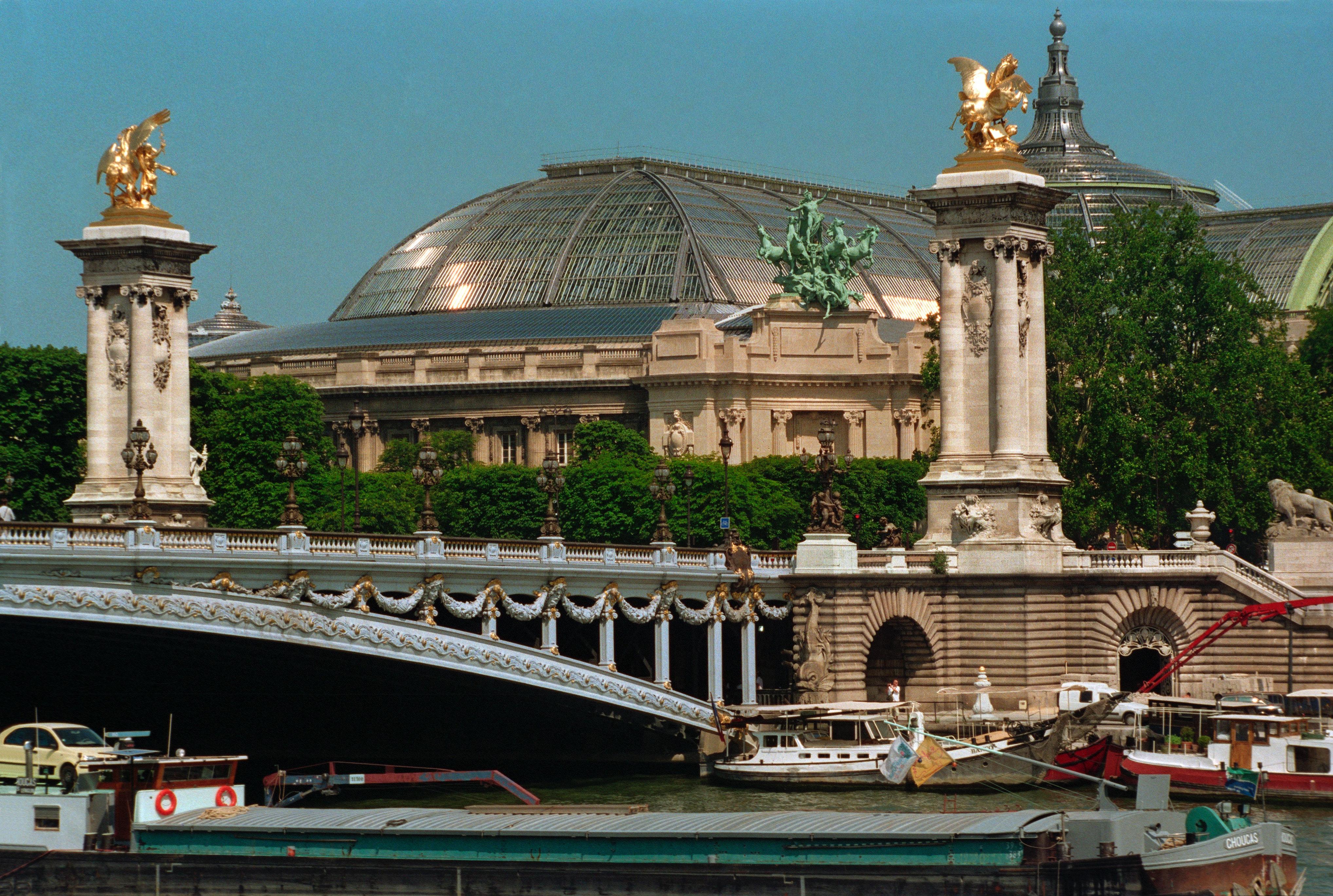 Grand Palais, Champs Elysees