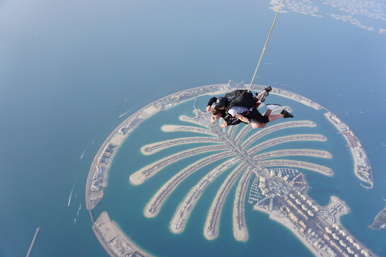 Skydiving, Dubai vs Qatar