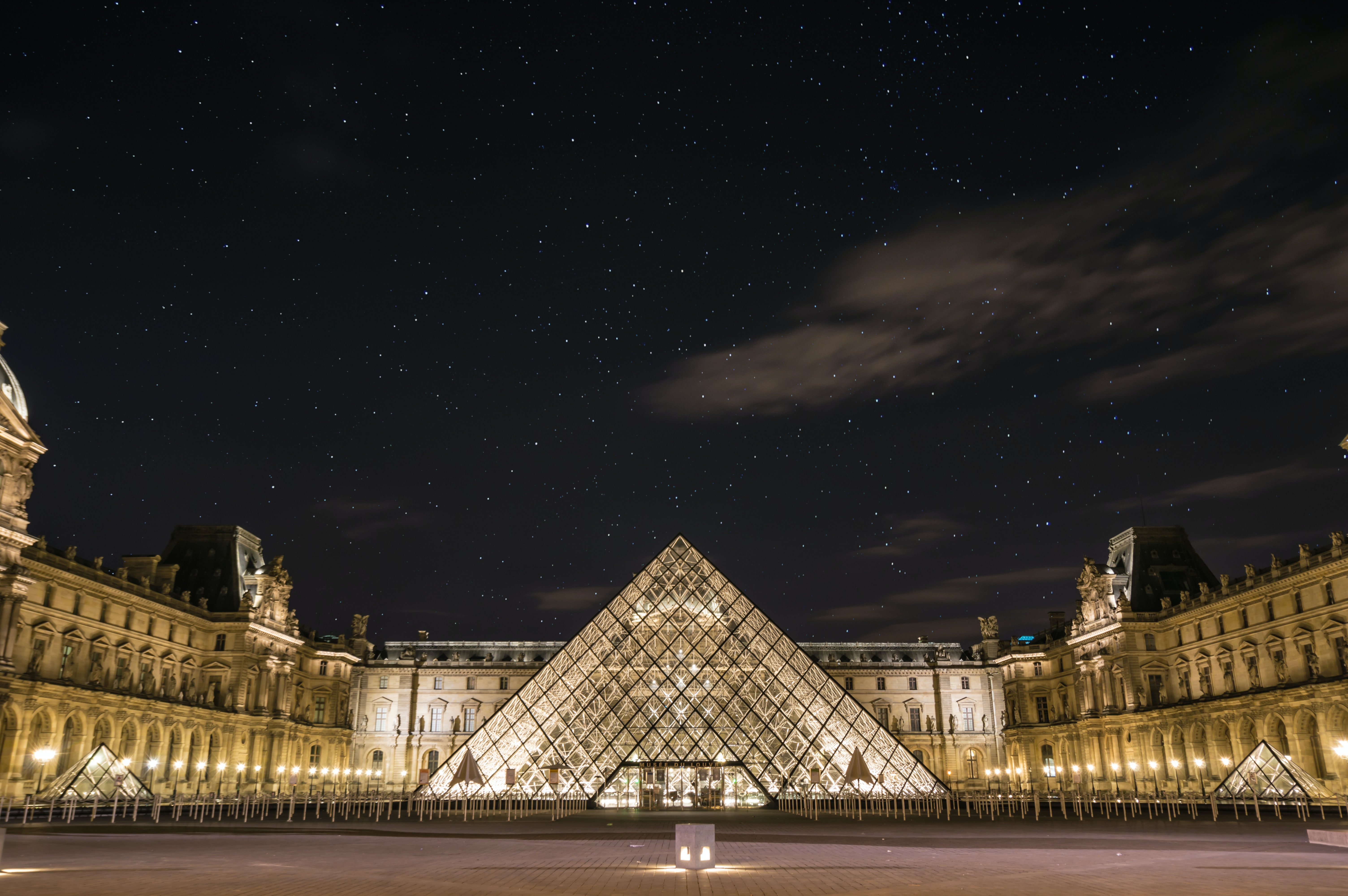 the Louvre, 15 romantic places to visit in Paris