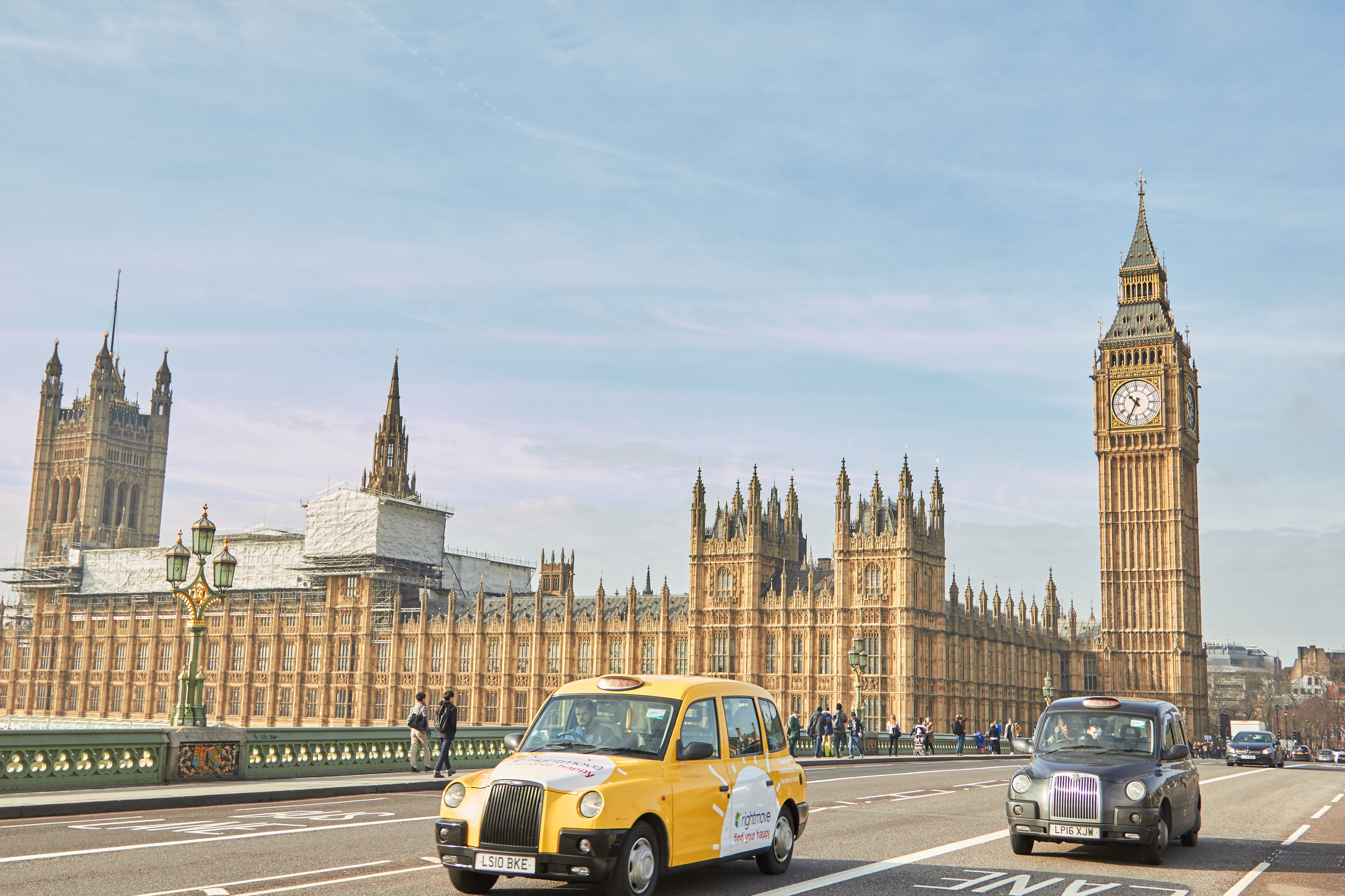 Take public transportation from the airport, Travel to Europe on a budget